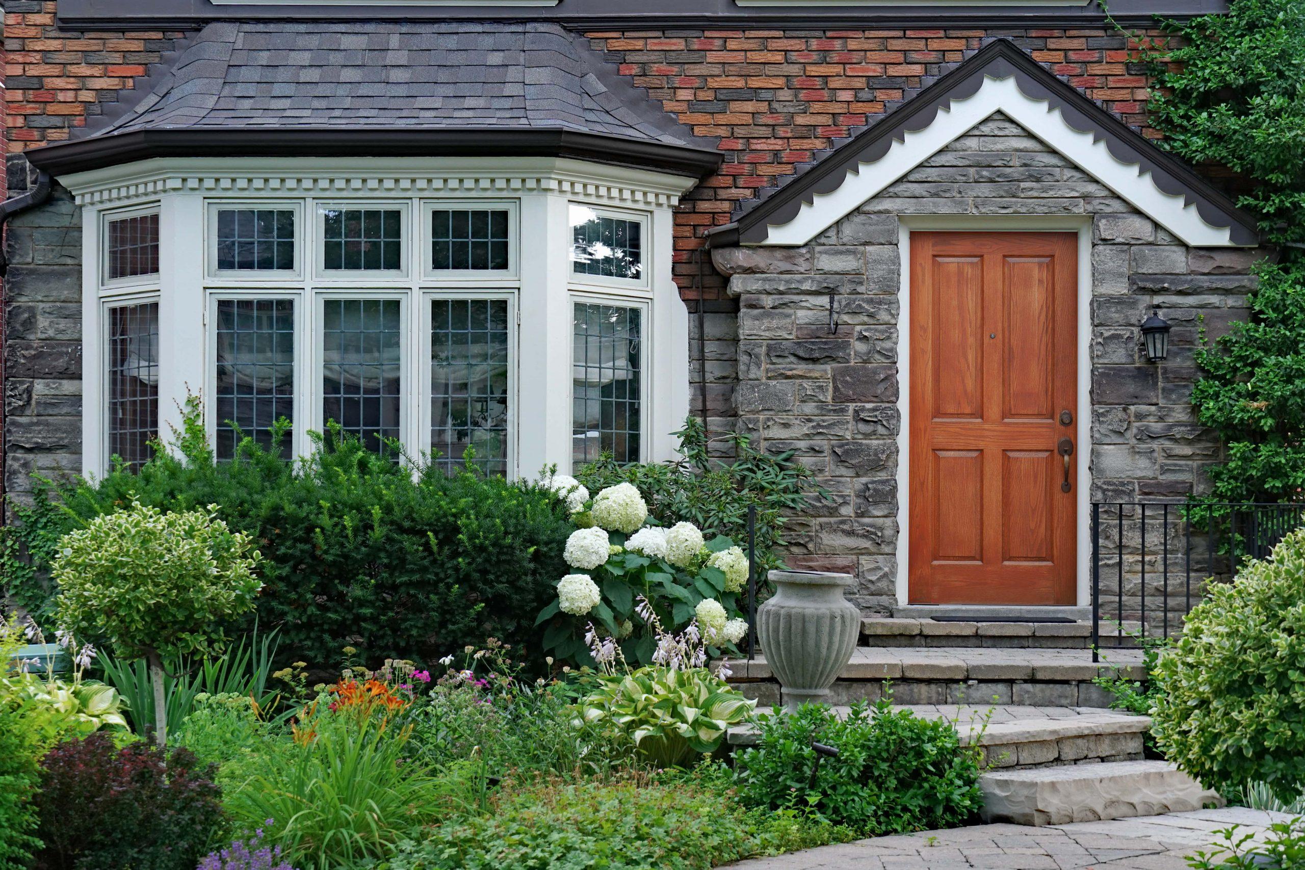 external bay windows-min